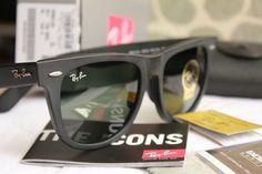 Encontre Oculos De Sol Ray Ban Wayfarer Original Preto Fosco - Óculos no Mercado  Livre Brasil. Descubra a melhor forma de comprar online. 6c0525b54a