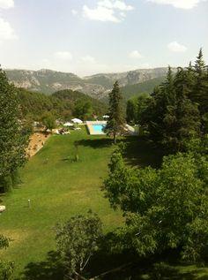Hotel Parador de Cazorla en Cazorla, Andalucía #piscina #hotel #restaurante #naturaleza #andalucia Piscina Hotel, Golf Courses, Mountains, Nature, Travel, Hotels, Restaurants, Castles, Tourism