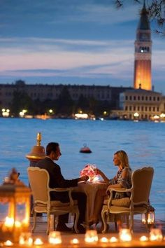 Romantic dinner in Venice!