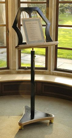 Classic Music Stand in Brass and Black Lacquer