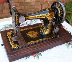 Singer Sphinx Sewing Machine I really like this sewing machine