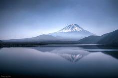Placid Mountain Lake #Fuji #Japan