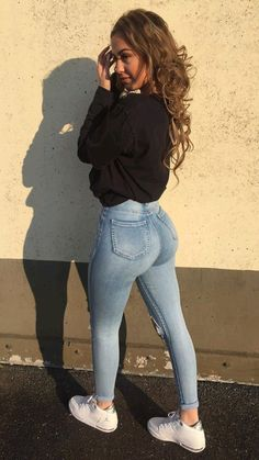 Sweet Jeans, Curvy Outfits, Sexy Outfits, Mädchen In Leggings, Beste Jeans, Looks Pinterest, Girls Jeans, Girl Pictures, Girl Fashion