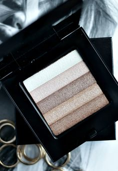Bobbi Brown Beige Shimmer Brick Compact |Thirteen Thoughts  Had this and it worked great for all over face and eyes