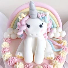 """1,566 Likes, 44 Comments - Catherine ☁️☁️☁️ (@catherine.mw) on Instagram: """"A little close up of yesterday's Unicorn cake I made, isn't she pretty …"""""""