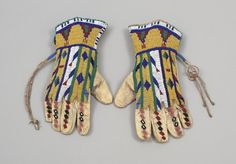 Lakota beaded gloves 1885