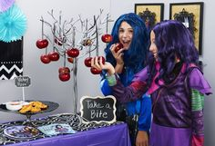 Disney's Descendants is the fairy tale sensation that's taking pop culture by storm! Let BirthdayExpress show you how to throw a dynamite Descendants party! 6th Birthday Parties, 9th Birthday, Princess Birthday, Girl Birthday, Birthday Ideas, Les Descendants, Girl Themes, Party In A Box, Party Themes