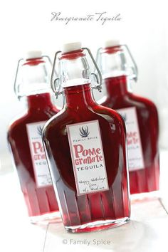 This pomegranate tequila recipe is made with delicious pomegranate concentrate which gives tremendous fruity flavor and smoothness to your favorite tequila. Pomegranate Recipes, Homemade Alcohol, Homemade Liquor, Homemade Gifts, Homemade Liqueur Recipes, Homemade Whiskey, Party Drinks, Gastronomia, Cocktail