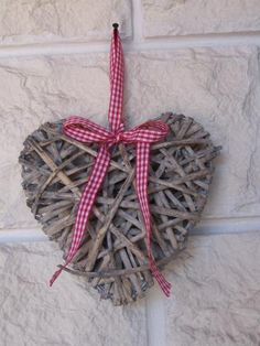 ˚Small Wicker Heart With Red Gingham Ribbon
