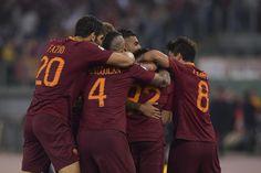 Roma er tilbage på 2. pladsen foran Napoli, efter de slog Juventus med 3-1, og dermed udsatte deres mesterskabsfest med en uges tid.