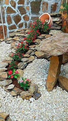Garden Yard Ideas, Diy Garden Decor, Lawn And Garden, Garden Projects, Garden Art, Garden Decorations, Backyard Ideas, Rock Garden Design, Yard Design