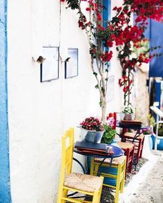 This may be the most charming spot in Greece. 📷 @mollys_musings