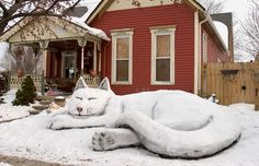 Snowmen across the globe Cool Cats, I Love Cats, Crazy Cat Lady, Crazy Cats, Winter Cat, Snow Sculptures, Here Kitty Kitty, Cat Art, Cats And Kittens