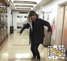 http://fc05.deviantart.net/fs71/f/2012/058/4/9/gif_jaehyo_octopus_dance_by_jceeart-d4r8f9w.gif