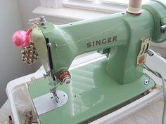 Singer 185J Vintage Jadite Green Sewing Machine with Case Heavy Duty Litttle Green Machine
