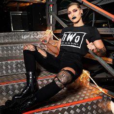 Wrestling Superstars, Women's Wrestling, Wwe Women's Division, Wwe Girls, Wwe Ladies, Wwe Female Wrestlers, Wwe Womens, Professional Wrestling, New People