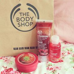 The Body Shop is one of my favourite places to buy bathtime treats xx especially the strawberry ones! lovely xx