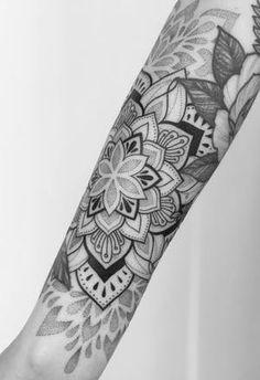 Mandala Hand Tattoos, Geometric Sleeve Tattoo, Mandala Tattoo Design, Tattoo Designs, Mandala Tattoo Sleeve Women, Sunflower Mandala Tattoo, Mandala Tattoos For Women, Tattoo Hand, Geometric Tattoos