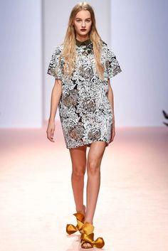 No. 21 Spring 2015 Ready-to-Wear Fashion Show - Maartje Verhoef