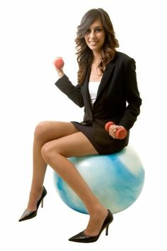 Experts share their predictions for what will be hot in fitness exercise, and working out this year Wellness Fitness, Physical Fitness, Fitness Tips, Health Fitness, Workout Fitness, Keep Fit, Stay Fit, Healthy Eating Books, Healthy Food