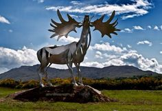 Sculpture of ancient Irish Elk