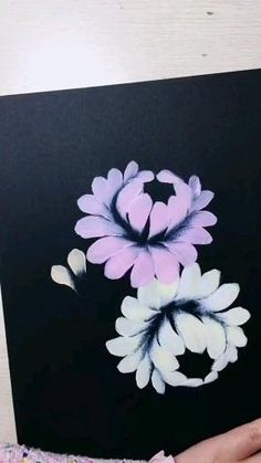 Diy Canvas Art, Painting On Black Canvas, Daisy Painting, One Stroke Painting, Painting Flowers, Art Drawings Sketches Simple, Art Painting Gallery, Art Tutorials, Diy Art