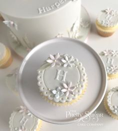 Browse through the different cakes we create here at The Pretty Sugar Cake Company, from Wedding Cakes & Wedding Favours to Celebration Cakes, to Cupcakes & Cookies. Button Cupcakes, Monogram Cupcakes, Fondant Lace, Fondant Flowers, Iced Sugar Cookies, Sugar Cake, Beautiful Cake Designs, Beautiful Cakes, Fondant Cookies