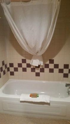 Bathroom,KiKiWak Hotel and Conference Centre  |  Highway 10, The Pas, Manitoba R9A 1K8, Canada