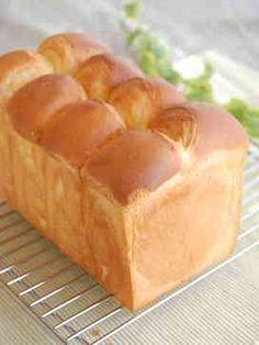 写真 Japanese Bread, Japanese Sweets, Japanese Recipes, Bread Bun, Bread Cake, Bread Recipes, Cooking Recipes, Bakery Store, Honey Toast