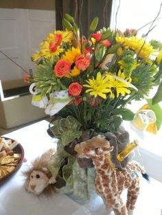 baby shower floral using the animal theme