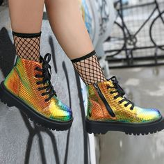 Clothing Rave Bamboo Holographic Combat Boots Your Engagement Ring - How To Choose It Well The annou Doc Martens Stiefel, Doc Martens Boots, Rave Shoes, Emo Shoes, Holographic Fashion, Holographic Boots, Doc Martens Style, Rave Wear, Designer Boots