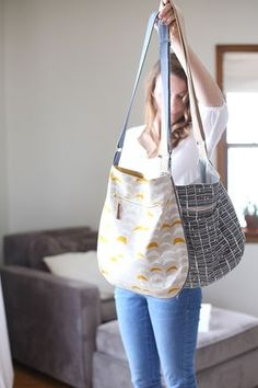 Free simple bag sewing pattern and tutorial. This is a good size bag to use everyday.
