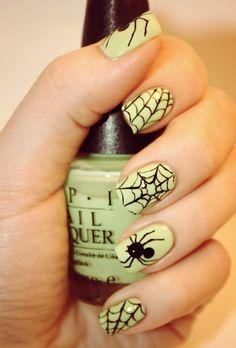 Spider Halloween #nails I will use orange under those