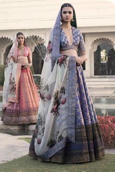 Find top trending and unique Sabyasachi Lehenga Designs for your dream bridal look. Best bridal lehenga designs by Sabyasachi for 2020 weddings. Sabyasachi Lehenga Cost, Banarasi Lehenga, Indian Lehenga, Anarkali, Indian Bridal Wear, Indian Wedding Outfits, Bridal Outfits, Indian Outfits, Indian Weddings