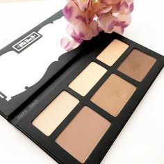 This is my first contour palette and I love it! I use it almost everyday. I thought the darkest contour shade would be too dark but it's workable. The product is a bit powdery so swipe with a light touch to prevent a powdery mess or picking up too product. With the right brushes it applies smoothly and blends well. It's highly pigmented and blend beautifully and looks natural and does what it is supposed to do. It Lasts about 4hrs for me before my oily skin ruins things  . . . هذا اول كونتور…