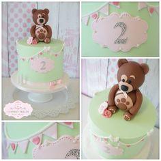 Bear, Bunting Cake