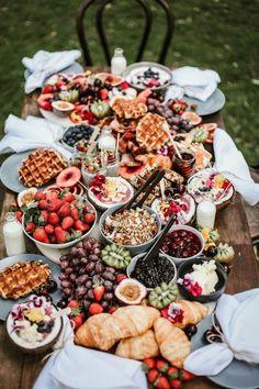 HURRA! Mag | 5 Tipps zur Gestaltung eines Gazing-Tisches | Weidetisch Ideen | Frühstück...   - graze - #eines #Frühstück #GazingTisches #Gestaltung #graze #HURRA #Ideen #mag #Tipps #Weidetisch #zur