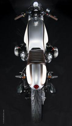BMW R100RT cafe racer on ContiGo! Ideal for classic rims.