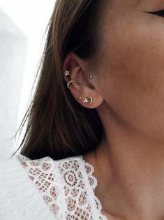 Tragus, Middle Cartilage Piercing, Faux Piercing, Ear Peircings, Cool Ear Piercings, Piercing Tattoo, Ear Jewelry, Dainty Jewelry, Cute Jewelry