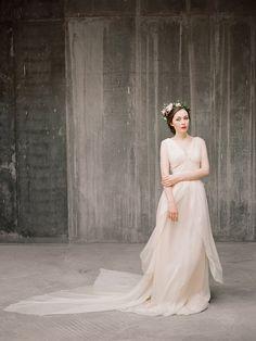 Zlata / / Flowy luftig Hochzeit Kleid Chiffon von Milamirabridal