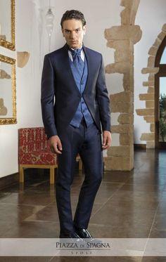 #Privè è la collezione di abiti da sposo dallo stile moderno e ricercato. Scopri gli abiti dal perfetto equilibrio tra creatività e tradizione sartoriale su http://www.piazzadispagnasposi.it/collezioni/sposo/prive/