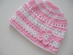 Čepička (38 - 44) Háčkovaná čepička pro obvod 38 - 44 cm, letní, vzdušná, vyrobeno z bavlny, barva růžová + bílá