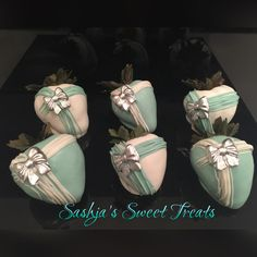 Tiffany Themed inspired chocolate covered strawberries..