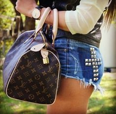 2017 Latest Louis Vuitton Handbags For Styling Tips, Pay Western Union Get 10% Discount, Buy More Discount More, Shop Now! #Louis #Vuitton #Handbags