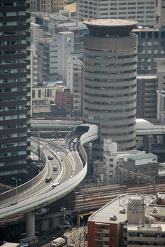 ˚A Highway in the center of the Gate Tower Building - Osaka, Japan