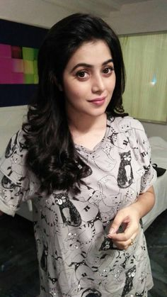 Check out the new stills of actress Poorna. Beautiful Bollywood Actress, Most Beautiful Indian Actress, Beauty Full Girl, Beauty Women, Beauty Style, Beautiful Celebrities, Beautiful Actresses, Stylish Girls Photos, Bollywood Girls