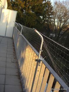 Katzensicherheit auf dem Balkon = Katzenschutznetz.