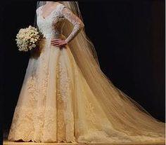 Vestido de noiva lindo clássico - Carol Hungria