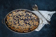 A simple, easy recipe for blueberry clafoutis. Blueberry clafoutis is the perfect accompaniment to brunch and it also makes a delicious dessert. Healthy Treats, Healthy Desserts, Just Desserts, Delicious Desserts, Dessert Recipes, Blueberry Clafoutis, Blueberry Farm, Organic Blueberries, Frozen Blueberries