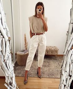 Discover recipes, home ideas, style inspiration and other ideas to try. Mode Outfits, Chic Outfits, Fashion Outfits, Womens Fashion, Fashion Hacks, Business Casual Outfits, Looks Chic, Casual Looks, Spring Summer Fashion